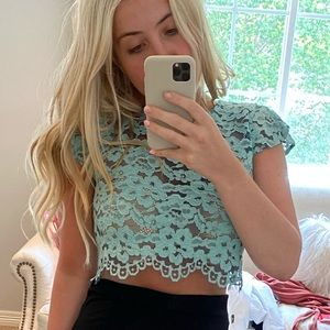 ALEXIS CROP BLOUSE